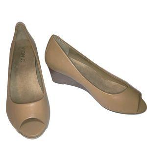 Vionic Proud Bria Leather Peep Toe Block Heels